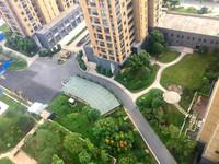 高新区中心一中旁沿河花园洋房、多层带电梯首付11万70年产权、房源有限先到先得