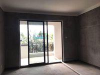 栢景雅居8100单价的正规4房买一层送一层,多层带电梯 随时看房,采光还可以