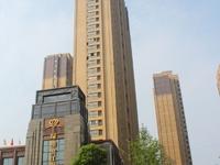 城东高档小区绿地 滨江壹号电梯高层 毛坯两房 采光视野极佳 满两年 少税费