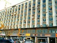 出租名人大厦251平米12000元/月商铺