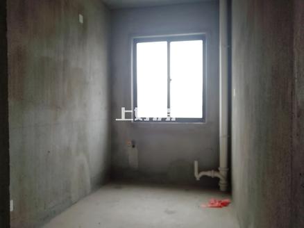 一中对面 联佳爱这城 边套电梯好楼层 南北通透 两房朝南 低总价三房 送储藏间