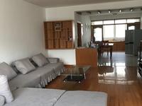出租三华园好楼层,精装两房,精装修,家具家电齐全,采光极好,随时看房拎包入住