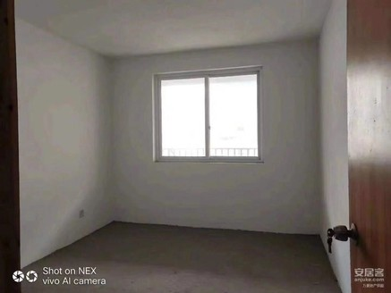 出售城东花园6室3厅3卫219.8平米148万住宅