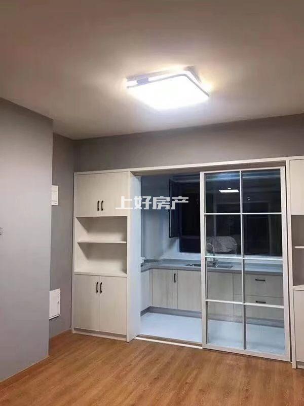 栢景雅居翠竹轩大三房出租2500一个月 带地下停车位,压一付六 豪华装修拎包入住