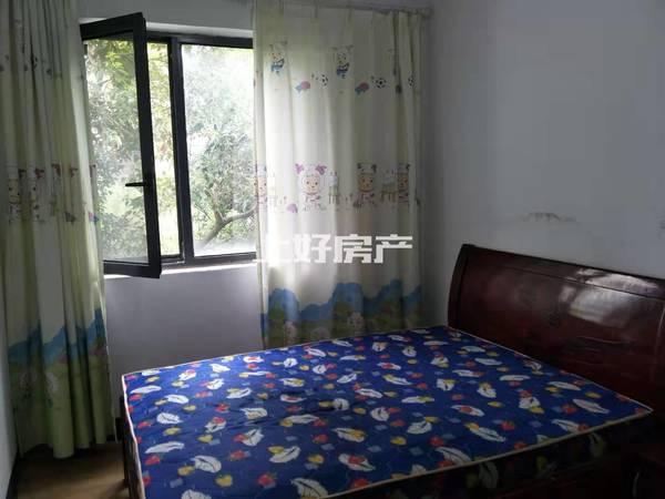 丹桂轩简装3房房带大平台,简单装修,1500一个月,可洗澡 家具家电齐全