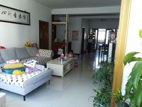 徽州区玉虹花园小区3楼3室2厅2卫,核心地段,户型方正,坐北朝南,配套齐全。