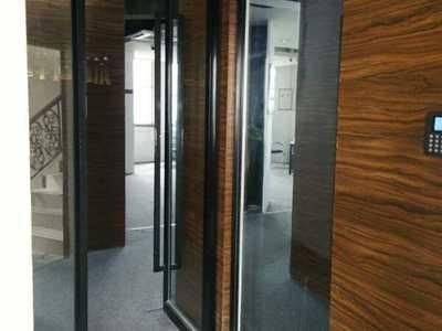 世纪广场 260平米办公楼 租金 4000元