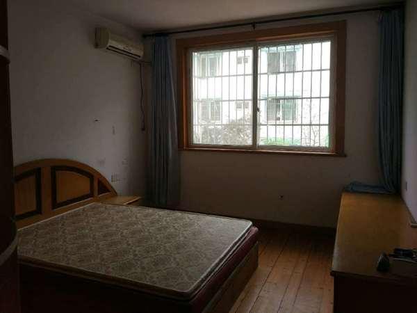 城东花园两室两厅90平 84万 送大储藏间