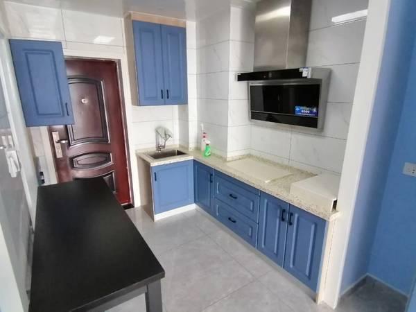 出租景徽国际1室1厅1卫45平米1400元/月住宅