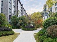 栢悦南山一楼庭墅带院子首付40万,六中学区房,花园小区,随时看房。