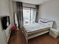 尚公馆 繁华地带 精装公寓 江景房 外带阳台 1300一个月 押一付三