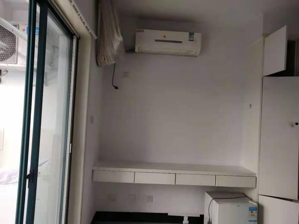 延安路 附近 2室1厅 有空调 热水器 租金500元