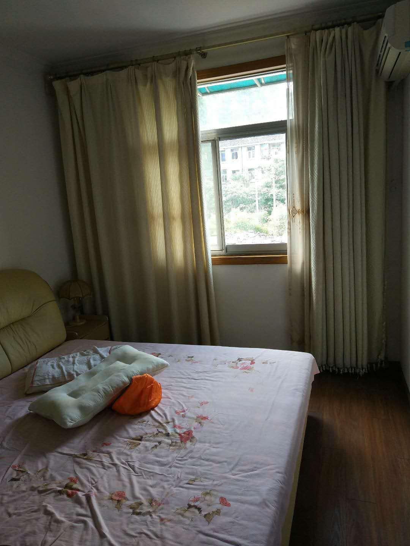 出租阀门厂宿舍2室1厅1卫72平米1200元/月住宅