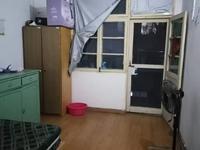 上新新村,三室一厅,家具家电齐全,生活便利,出行方便。
