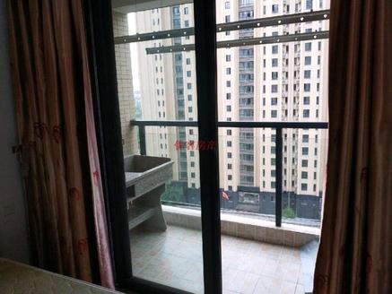 元一大观正规一室一厅精装公寓出售,电梯中间楼层,双学区,看房方便!