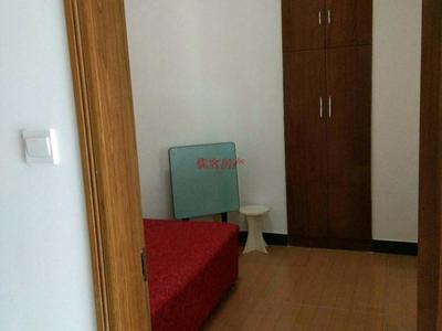 阳光绿色精装两房出租,家具齐全,中间楼层,需要半年付,有钥匙看房方便!!