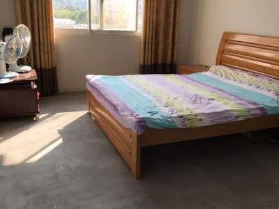洽阳山小区 118平米 3房2厅2卫 送车库 报价96万 有产证可贷款