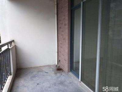 御泉湾126平米 精装3房2厅 送杂物间 房东因资金周转急售137万 免个税