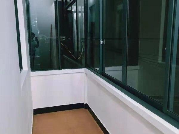 阜上社区公寓出租,空调热水器都有,有外阳台,独立卫生间,只需600一月,可以短租