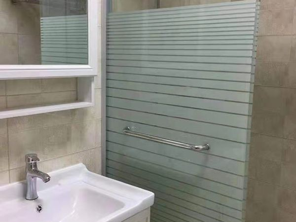 熙城国际精装小两房出租,电梯高层,配套齐全,拎包即住,只需1400,看房有钥匙!
