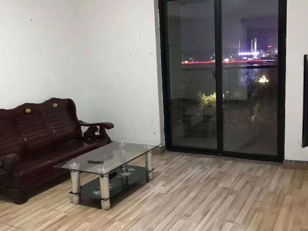 天域 1800租江南新城精装大三房