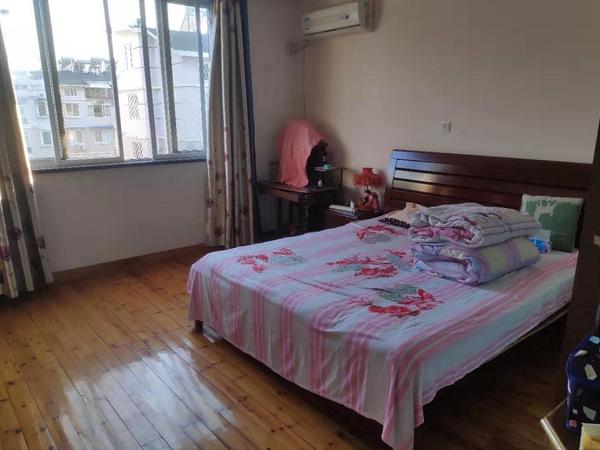 滨江华庭6-7楼复式楼三室三厅一厨两卫精装潢房屋急售
