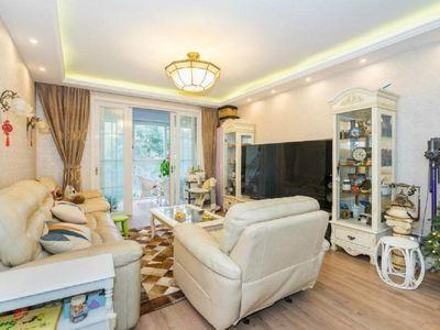江南新城北区,多层黄金楼层,正气大三房,三室两厅两卫,有钥匙随时看房