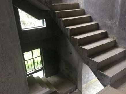 香山翠谷 精美双拼别墅 安静 天然氧吧 带大花园 南北大露台 采光很好