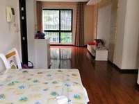江南新城 棕榈苑 精美装修3房 没怎么住 满5年 带储藏间