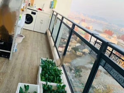 栢景雅居精装修3房送一个小露台,视野开阔,家私电都是品牌的,送车位