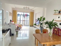 莲花怡庭精装修婚房,实用面积105平三房,拎包入住,送储藏间,99万