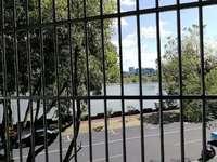 滨江路旁 大润发商圈 江景三室二厅一卫 简装拎包入住 七小六中学区