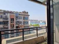 江南新城 南区 多层3房出租 简装1300月租有钥匙 随时看房