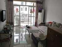 锦绣江南 精装两房 临近菜市场 有杂物间 1400一个月 押一付三