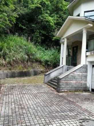 香山翠谷 天然氧吧 金典双拼别墅 单价5500 平层的价格别墅的享受