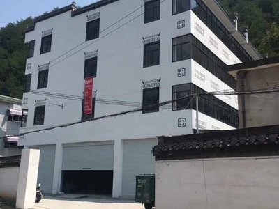 屯光镇云村路口处有商业用房 已办理不动产证 面积1500平米出租