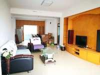 出租大润发旁边3室2厅1卫126平米住宅
