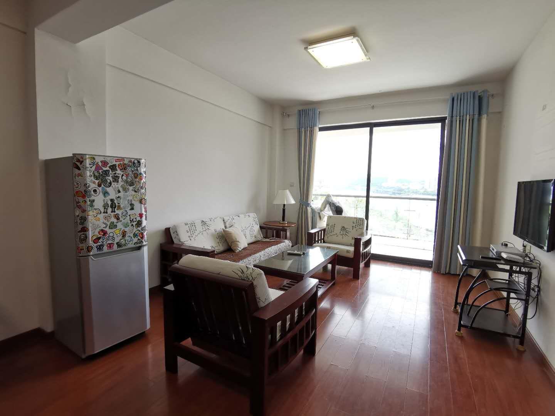 龙翔御景精装两房 装修真心好 一线江景房躺在床上看江景 1700/月 看房方便