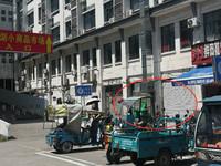 阳湖菜市场小商品市场入口处店面转让