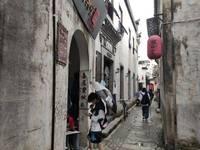 宏村景区内旺铺出租,位于旅游线路商业街胡兴堂隔壁