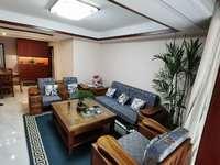出租绿地滨江壹号3室2厅2卫128平米2500