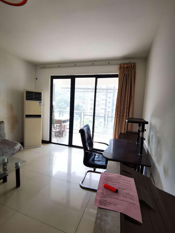 东方丽景 电梯两室出租 租金1300元 随时看房