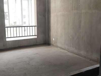 依云红郡小区中心位置多层3楼 边套 南北通透前后双阳台,送产权车位 看房有钥匙