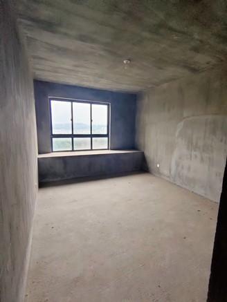 御泉湾四期电梯中间楼层南北通透户型次新小区