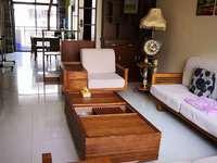江南新城精装4房出租,家具家电齐全有五个空调,拎包可入住 有车位和柴间免费给用