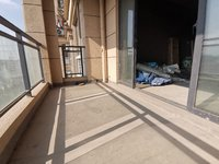 黎阳四中学区 纯毛坯大三房 121平 房东诚售123万。