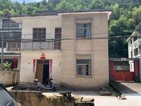 永佳福邸旁边 下资新村 自建房 有大院子 路边 适合仓库 居住 均可