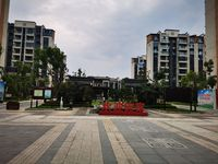 出租恒大滨江左岸3室2厅2卫206平米2000元/月住宅