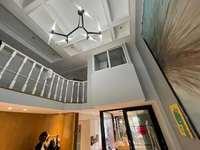 阳湖片区御泉湾精装loft现在轻奢风格双层灵动空间拎包入住