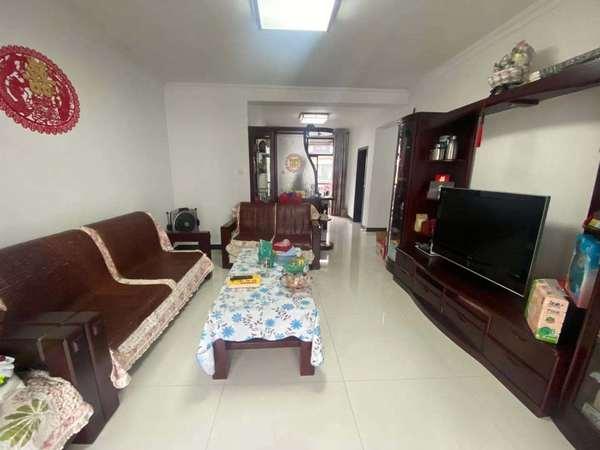 御泉湾 多层好楼层 120平米 3房2厅2卫 精装修 送杂物间 143万 满五